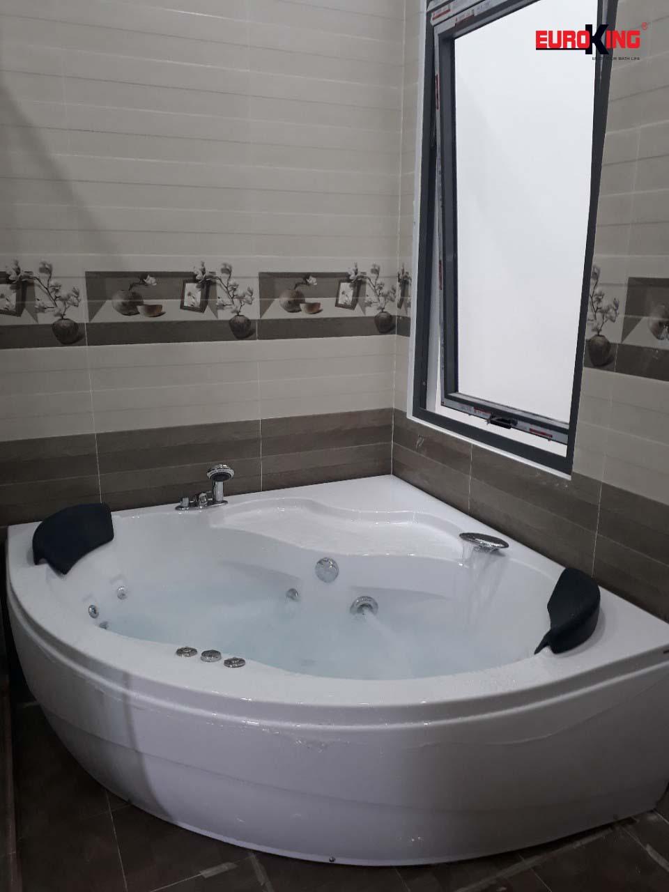 Bồn tắm massage EU-6601