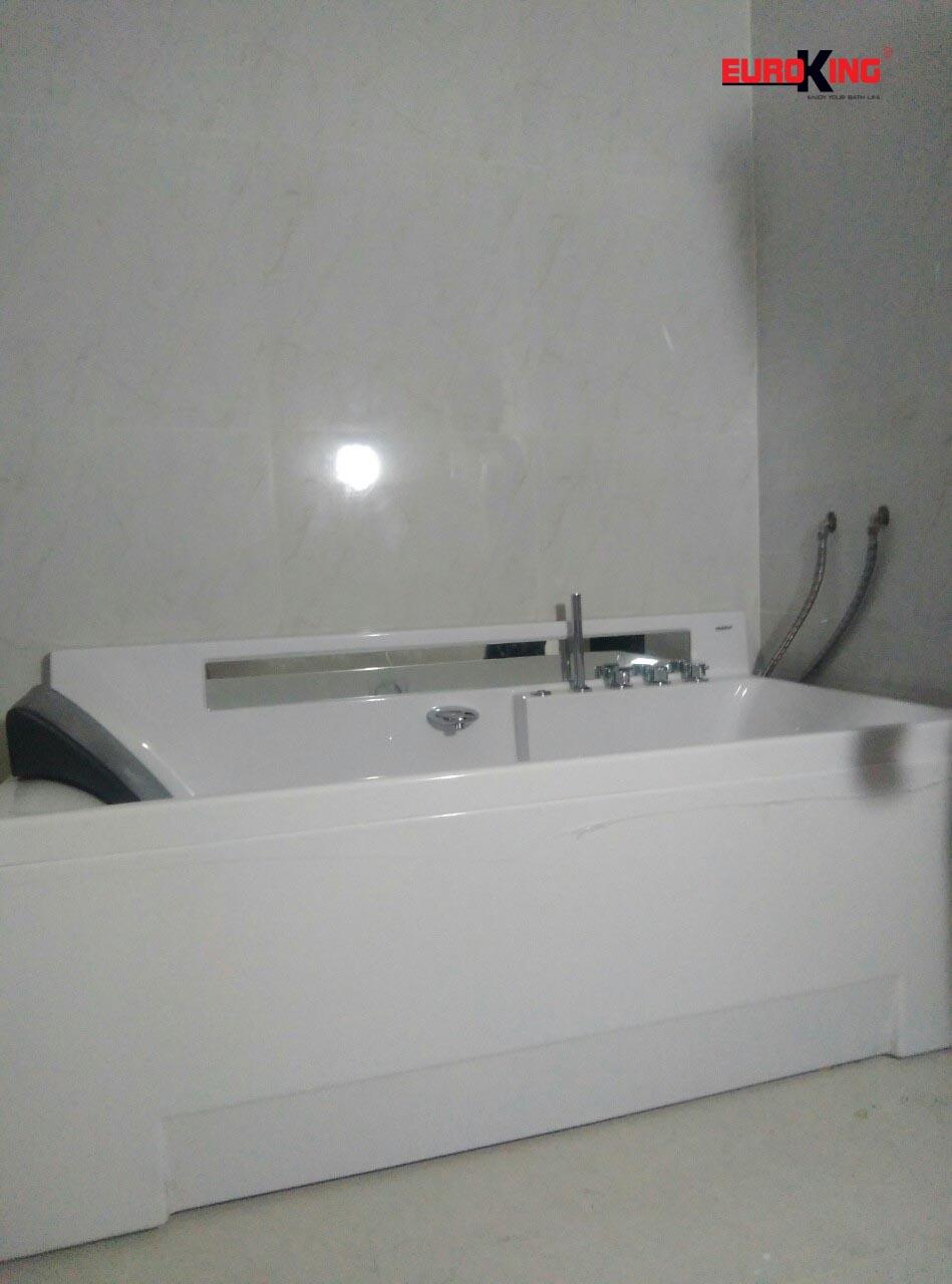 Bồn tắm massage EU-6153