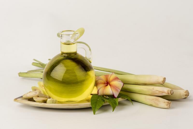 Tinh dầu sả giúp khử mùi phòng tắm
