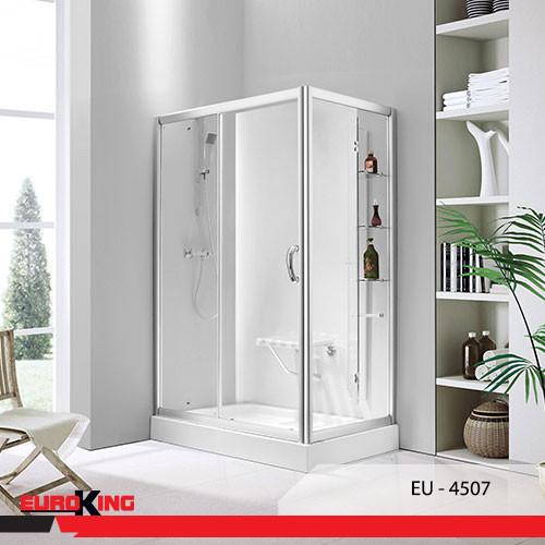 Phòng tắm vách kính EuroKing mang lại không gian thoáng đãng cho phòng tắm