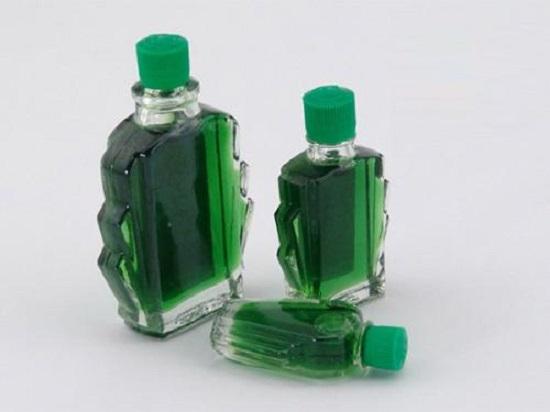 Mùi the mát của dầu gió sẽ mang lại mùi hương dễ chịu cho nhà vệ sinh