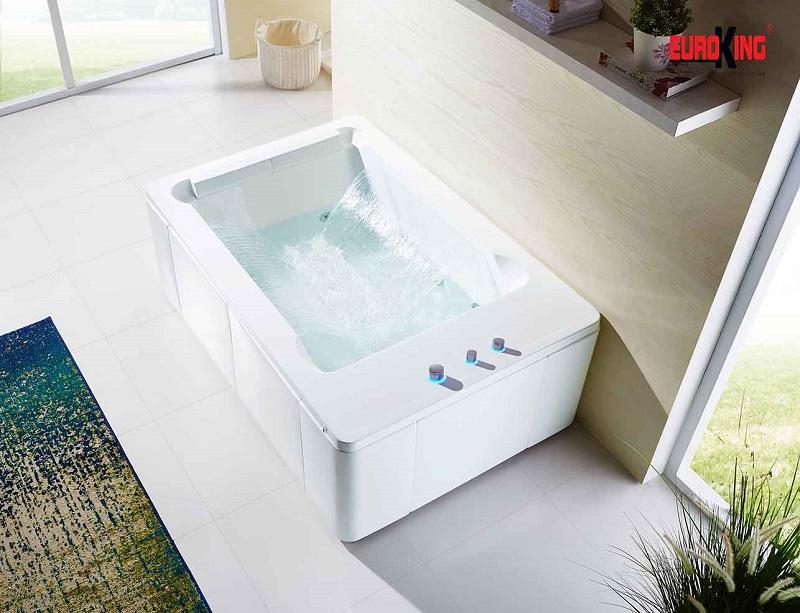 Bồn tắm sục massage cao cấp EuroKing EU-1306 PLUS.