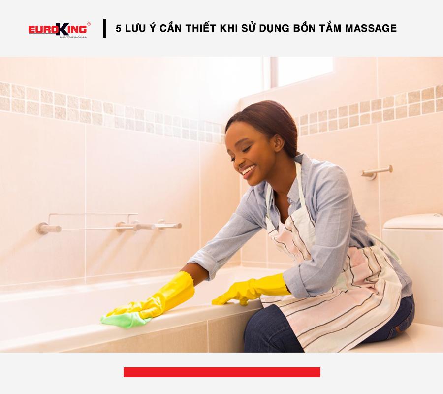 Vệ sinh bồn tắm massage đúng cách